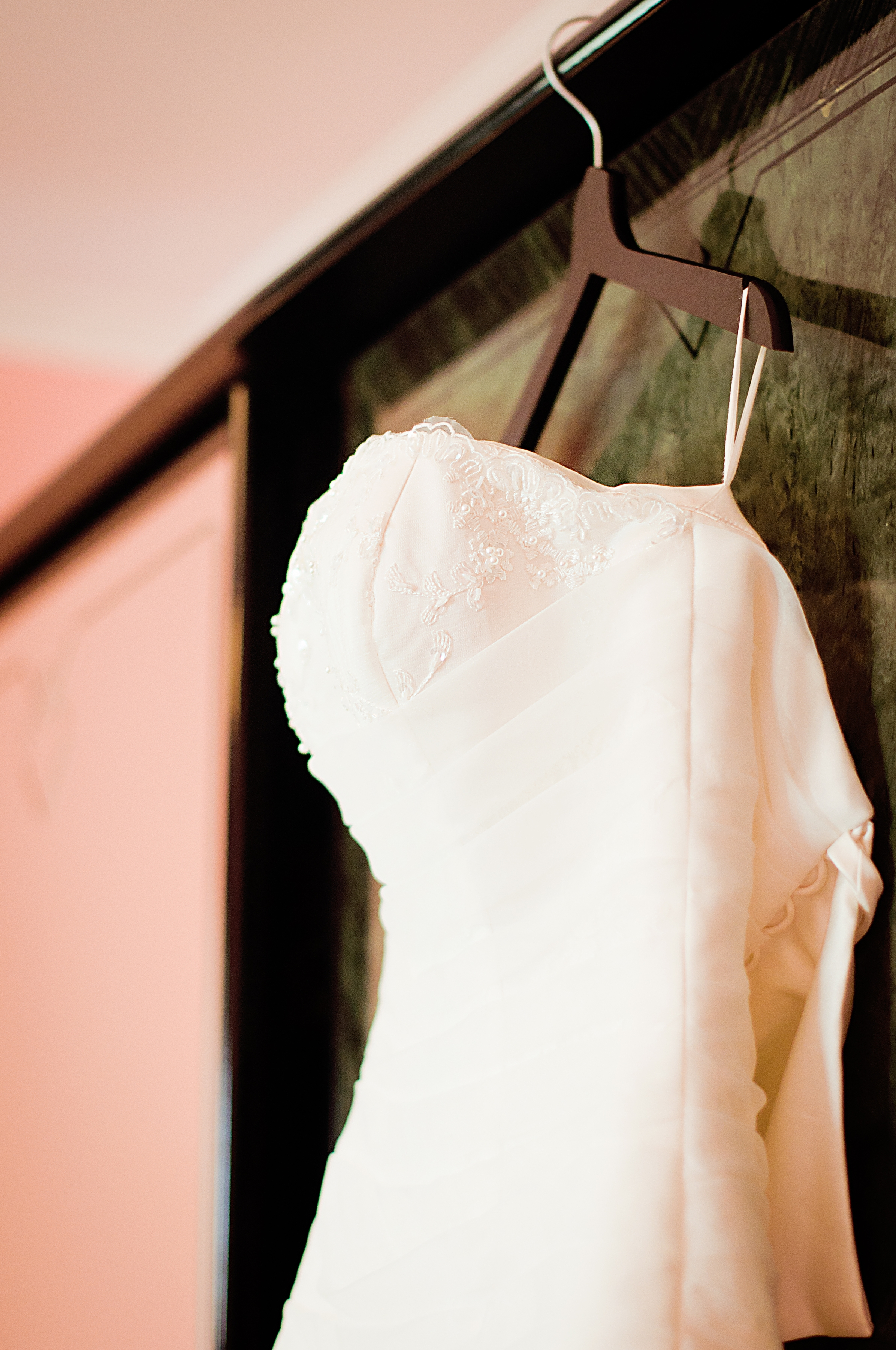 Important reminders for wedding gown alterations yong s for Wedding dress alterations indianapolis